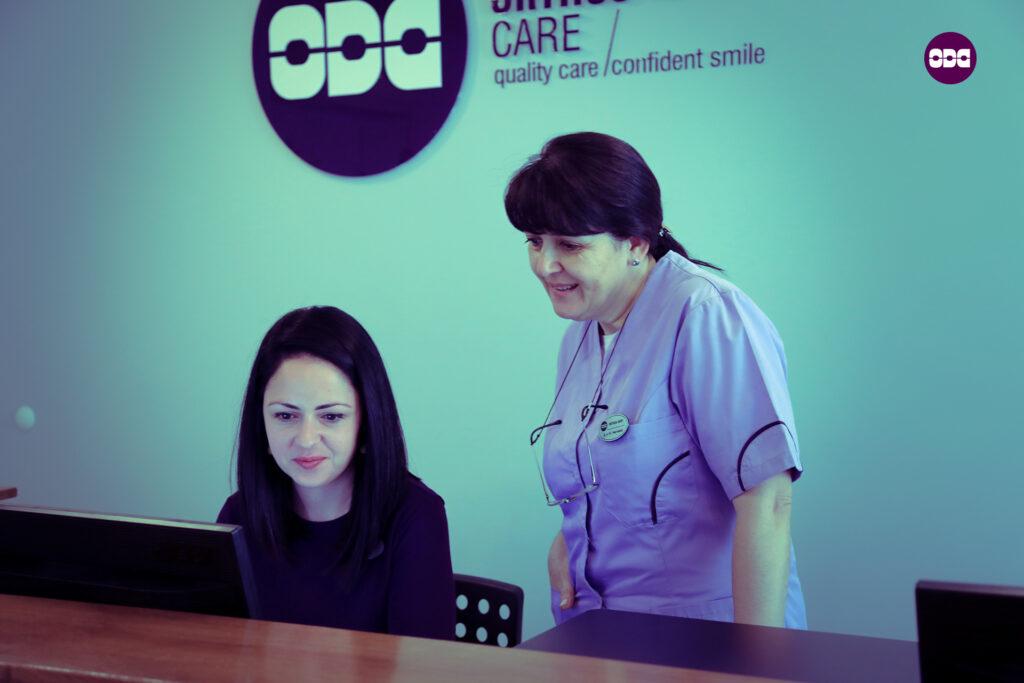 Ивена и д-р Ненчева в работна обстановка