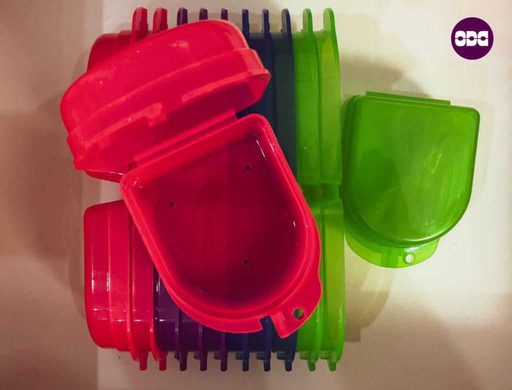 Кутийка за съхранение на снемаем ортодонтски апарат